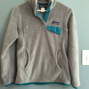 Women's Patagonia grey pullover w teal accent